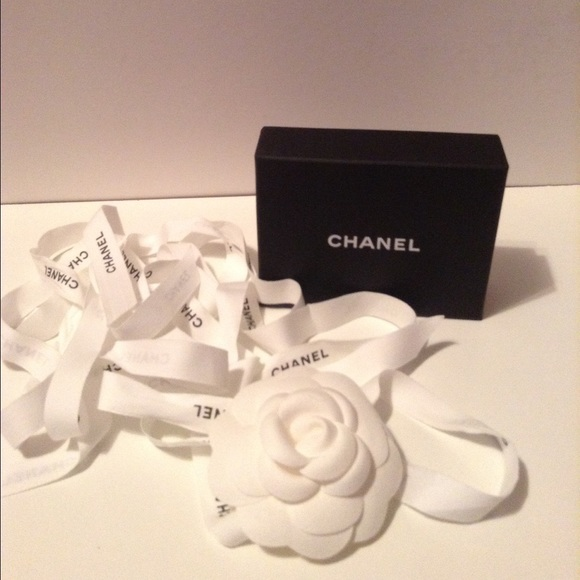 94 off CHANEL Accessories Small Jewelry Box With Flower Ribbon