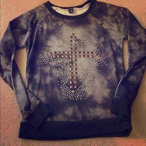 SALE⭐️Cross studded sweater sz S