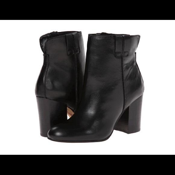 328368ee8d2a31 Sam Edelman Fairfield black leather booties.