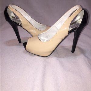 SOS shoes of soul nude / black peep toe SALE!