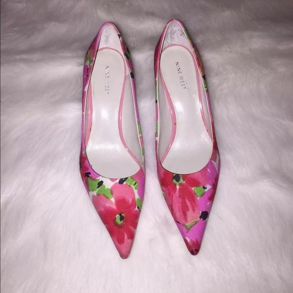 c0a8266c09c Nine West floral pumps