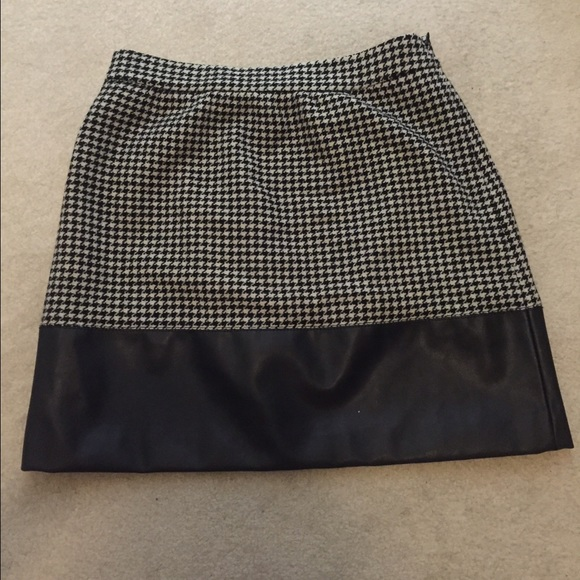 J. Crew Dresses & Skirts - Very Classy J. Crew Skirt