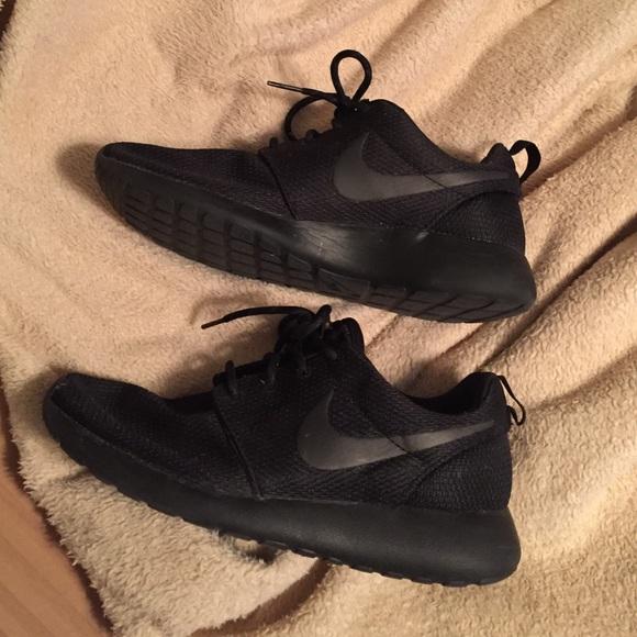 Nike Shoes - Triple Black Roshe Runs ef4ba514f
