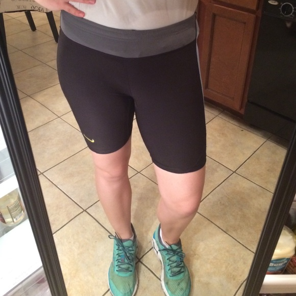 nike mid thigh shorts