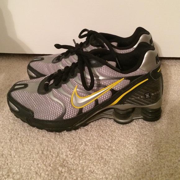 251f0c35708c Nike Shox Livestrong Sneakers Silver black yellow.  M 564c09bdfbf6f97eca007d66