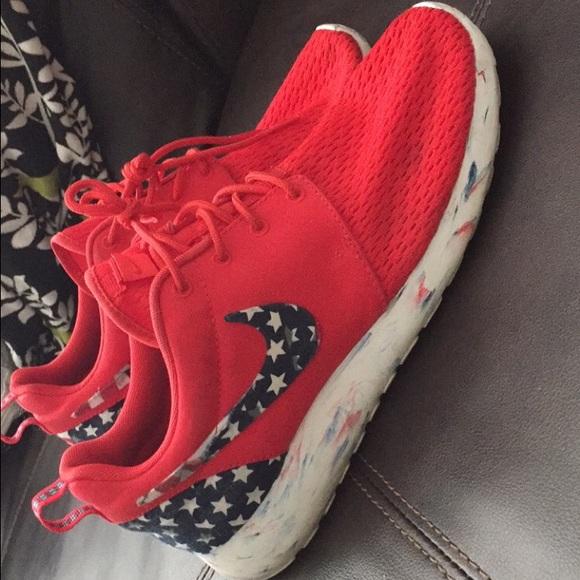 the latest eeebf 5e8ae Custom American Flag Nike Roshe Run. M564c2c6f8e1c612e2702d810