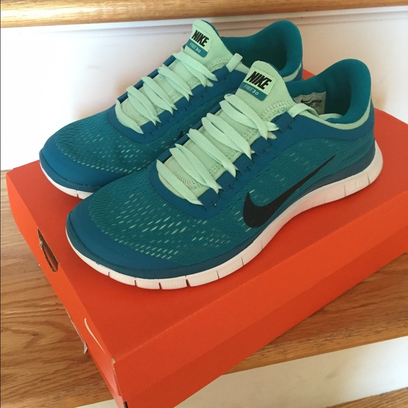 premium selection b074e 68751 ... running shoes gray shoes online ca3cb d3638  ireland womens nike free  3.0 v5 size 7 brand new 38327 ef106