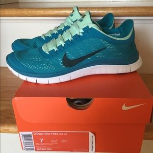 hot sale online bbf9b 292ef ... spain nike shoes womens nike free 3.0 v5 size 7 2de9b 18b87