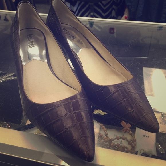 MICHAEL Michael Kors - Michael Kors brown kitten heels, size 11 ...