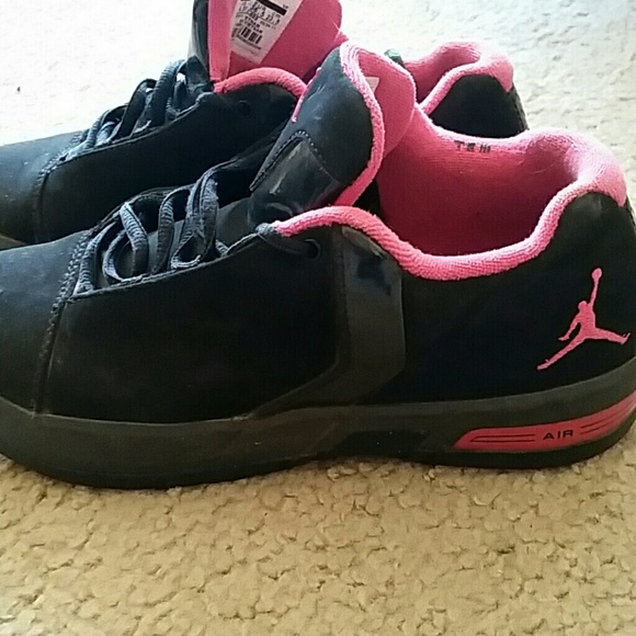 Jordans barely used size 4.5 men 6.5 or 7 women
