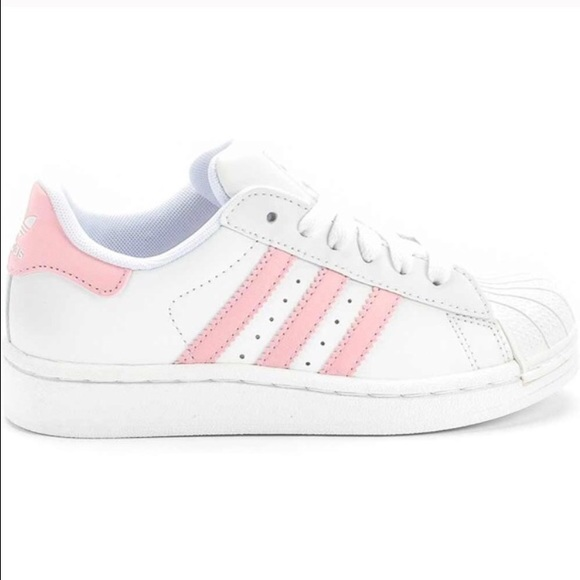 Looking for/ISO LIGHT PINK ADIDAS SUPERSTARS
