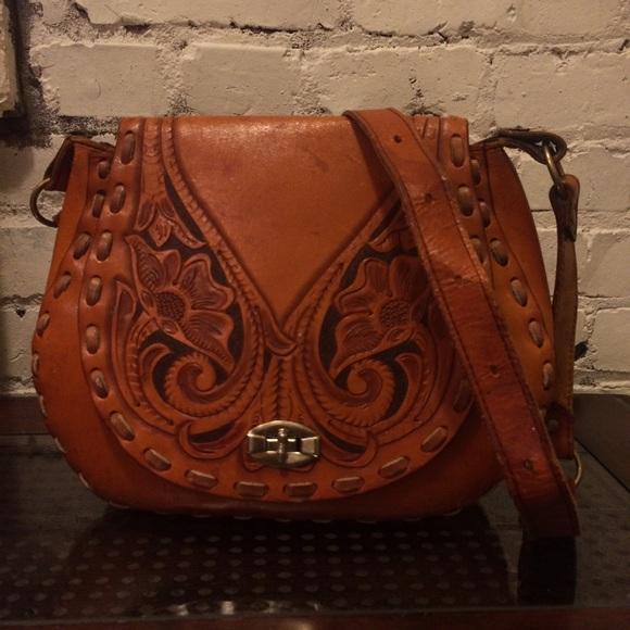 Vintage Tooled Leather Boho Saddle Bag. M 564ce274bcd4a77995000d97 c10714cb7e502