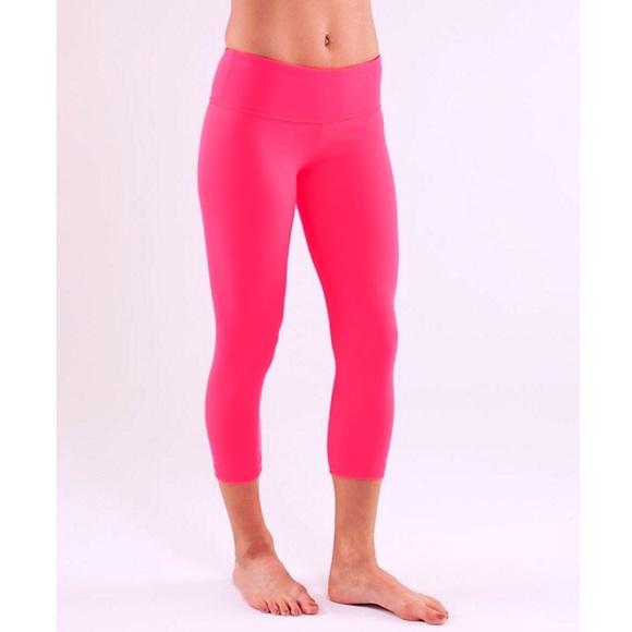 404eb3a27bac67 lululemon athletica Pants - Lululemon Flash Wunder Under Crops Hot Pink Yoga  8