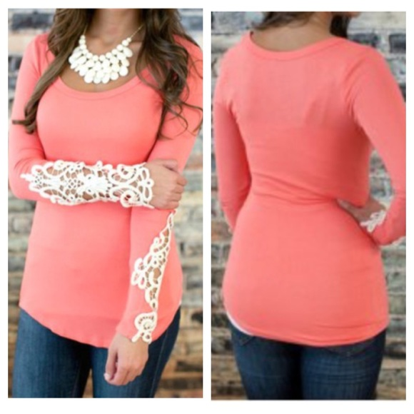 af0398bc2 🌷NWT Lace Edge Cuff Long Sleeve Top