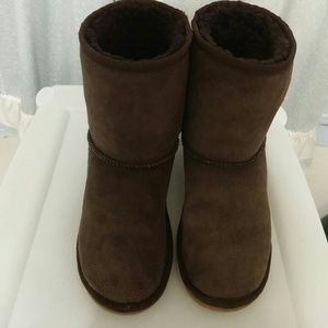 UGG Shoes - UGG Authentic Chocolate Classic Short Boots sz6