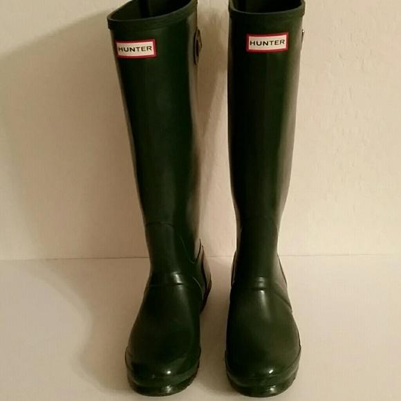 473bfb16c374 Hunter Shoes - Gently worn Hunter tall adjustable back rain boots
