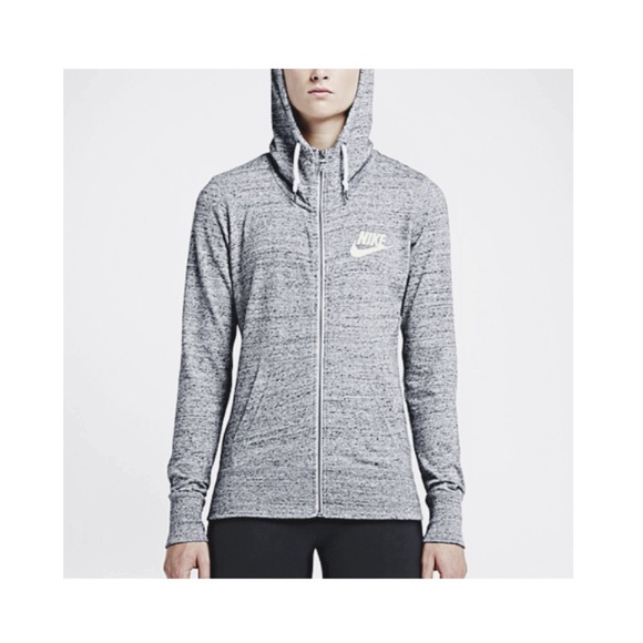 3ed9874dcb8a Lightweight grey Nike zip up hoodie. M 564d66df13302ac555004517