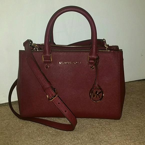PRICE REDUCED  Michael Kors Sutton leather satchel.  M 564d6b746802780d9d00468d 708aff0bc7df