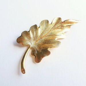 Monet Vintage Leaf Brooch Pin Gold tone