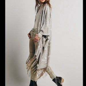BUNDLED/SOLD FREE PEOPLE HENDRIX FRINGED KAFTAN
