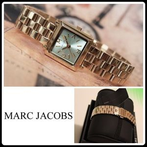 Marc Jacobs Accessories - ✨HP✨MARC JACOBS GOLD-TONE WATCH