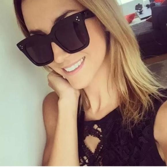 d307d1289d Oversized Wayfarer style sunglasses