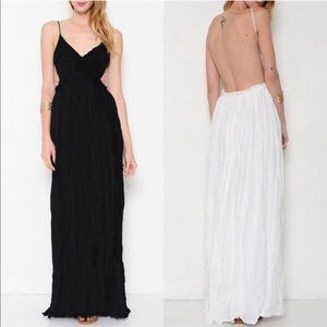 AILANI blossom Backless maxi dress  - BLACK