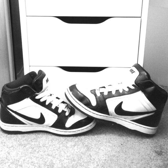 0e13b276c4fe7 Nike Shoes   Dunk Hightops Rare Snake Skin   Poshmark