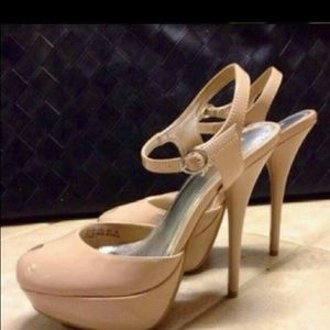 Shoes - New!! Nude Patent Peep toe's - 7.5