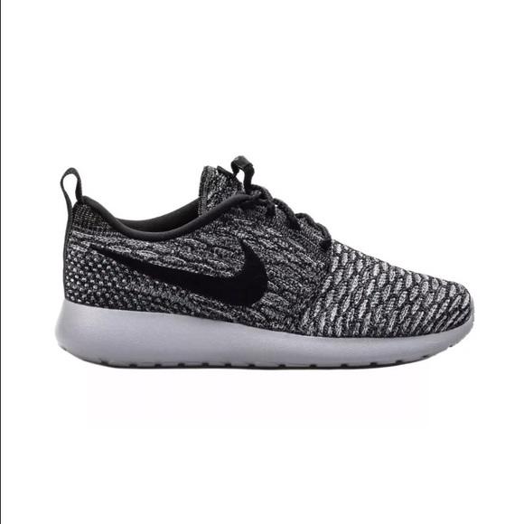 superior quality 0c851 200a6 Nike Roshe One Flyknit Women Sz 12 Men Sz 10.5