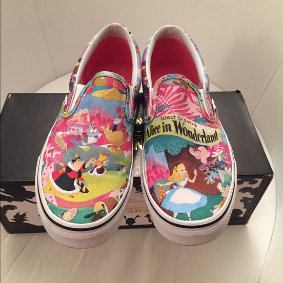 fca222f586 Vans Alice in Wonderland slip on