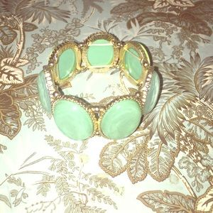 Gorgeous mint green bracelet