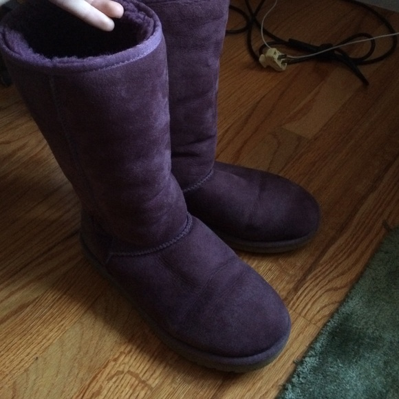 USED plum purple uggs for sale! 100% REAL!!