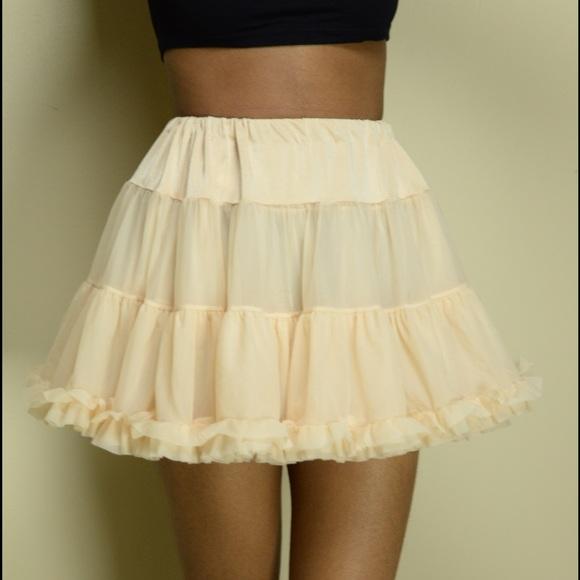 American Apparel Dresses   Skirts - American Apparel Cream Petticoat  Tutu  Skirt 0b5fa636c