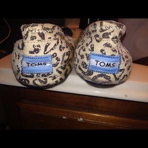 Toms cheetah flats