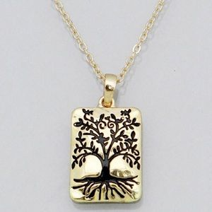 Jewelry - Delicate gold tree of life necklace