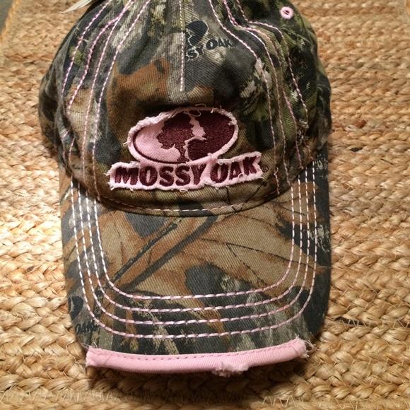 Mossy Oak Camouflage and Pink Baseball Cap Hat NWT b14eaee3b08e