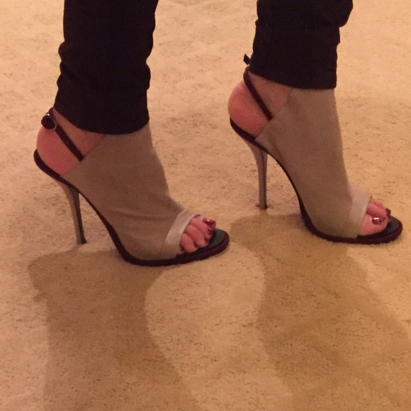 Balenciaga Suede Glove Sandals clearance classic discount sast m1zTV7wR9