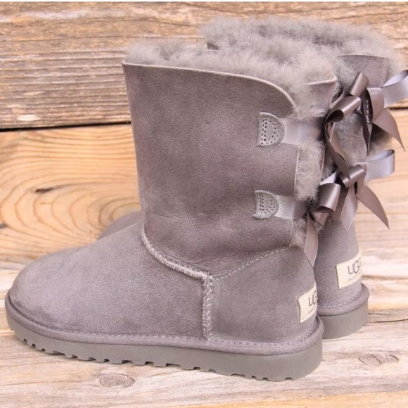 eabb762fcde UGG Bailey Bow Grey Sheepskin Classic Boots US 5