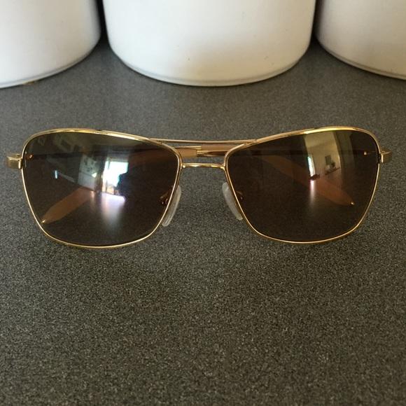 9516ef04cec5b Gold frame aviator sunglasses. M 5650934f6ba9e6f0fa018535