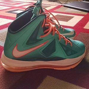 pretty nice 50719 81165 Lebron James Shoes - Nike Lebron X 10 Miami Dolphins KIDS shoe