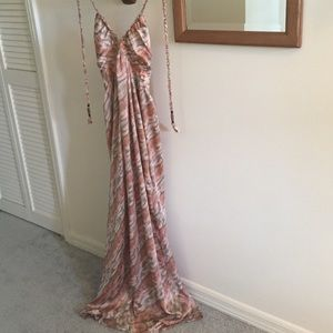 T-Bags Dresses & Skirts - Beautiful maxi dress