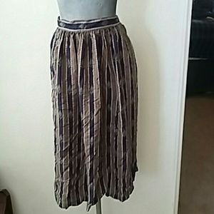 Vintage midi patterned skirt