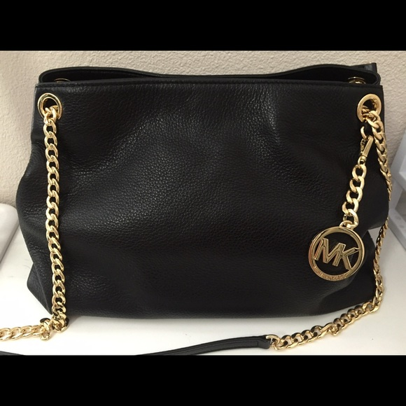 169d522a6ef71f MICHAEL Michael Kors Jet Set Chain Shoulder Bag. M_5650c14f6ba9e6c244019b58