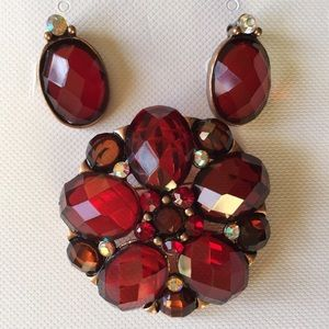 Jewelry - Gorgeous  pin+earrings set. New w tags. Red