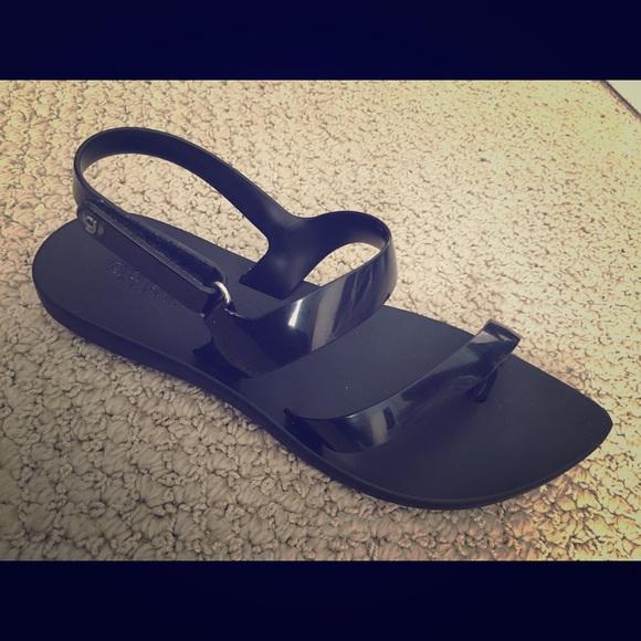 d5a2f0270 Melissa grandha sandals size 6