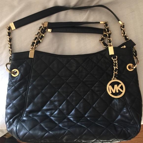 f8f1257cda53 MICHAEL Michael Kors Susannah Medium Quilted Bag. M_5650e15f51e9ea599001b17a