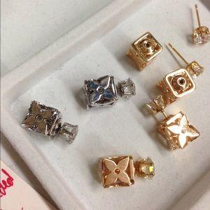 Jewelry - Quatrefoil Flower Double Sided Earrings