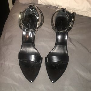 BNWT Zara Black Strap Sandals. Never worn