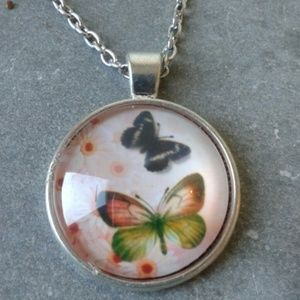 Butterflies cabochon pendant with chain